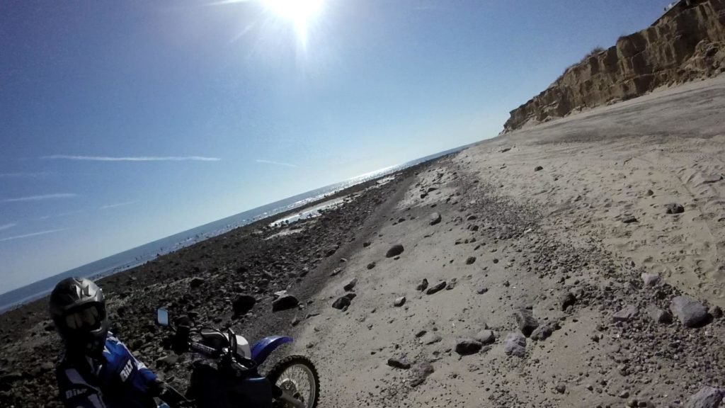 day-3-riding-on-beach-3-mp4_snapshot_03-06_2016-10-30_19-58-59